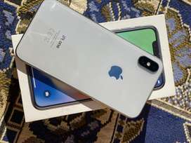 iphone X 64 gb complete box scratchless 10/10 pta approved .