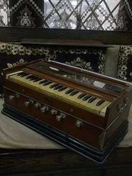 Harmonium in perfect condition