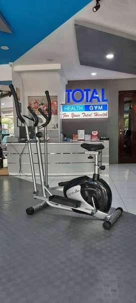 Sepeda Statis Ellpitical Crosstrainer TL 8505 Ori Total Fitnes