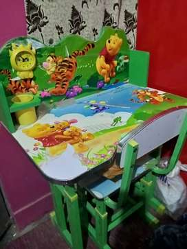 I m selling my Kids study table and chair