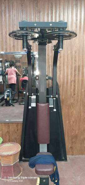 heavy duty gym equipment setup available