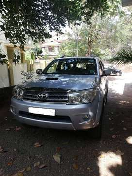 Toyota Fortuner 2.8 4X2 Manual, 2010, Diesel
