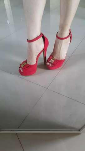 Sepatu high heels belagio