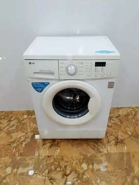 Direct drive 5.5kg LG front load washing machine
