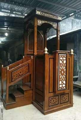 Mimbar masjid kubah dan mewah