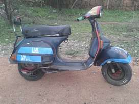 Vespa Scooter New Condition me Hai