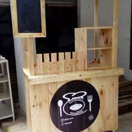 Booth kayu pinus, booth dimsum, booth kekinian