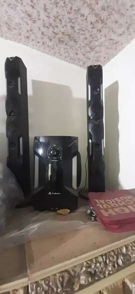 Audionics Home Theater just like new
