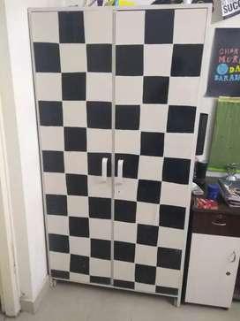 Double door Wardrobe (2 drawers)