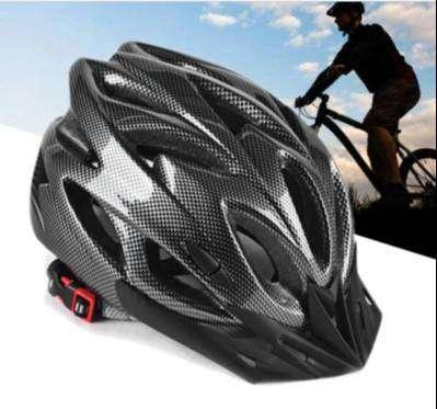 PREMIUM Helm Sepeda Gunung dengan Ventilasi Udara