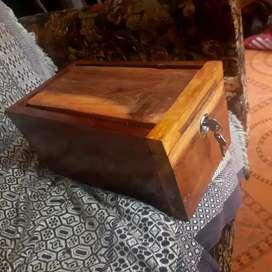 തടിയുടെ പണപ്പെട്ടി (Wooden Money Box)