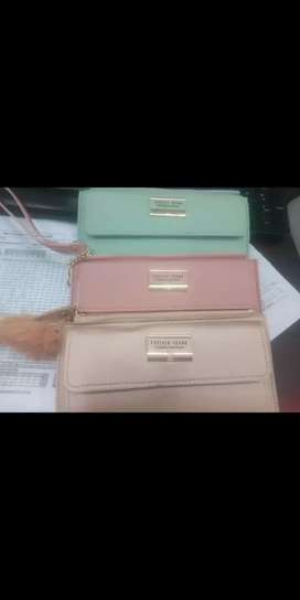 New Ladies Purses  What's in the box is guaranteed