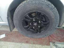 Tata aria 8seater white with alloy wheels subwoofer JVC 2 led tvs set