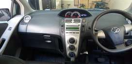 Toyota Yaris 2013 AT