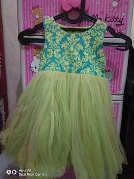Dress anak warna hijau merk Audrey B / size 4
