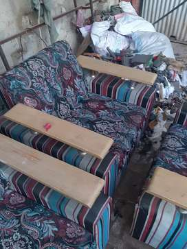 Old 7 seater sofa for sale
