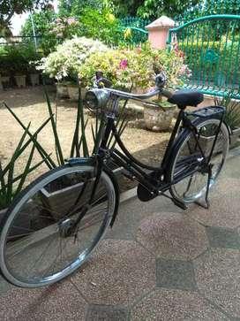Dijual sepeda ontel tahun 1939 asli dan jarang pakai
