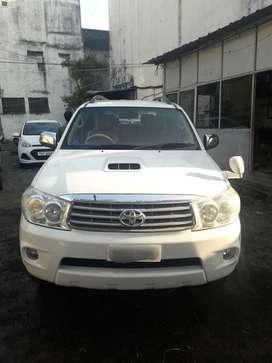 Toyota Fortuner 2011-2016 4x4 MT, 2009, Diesel