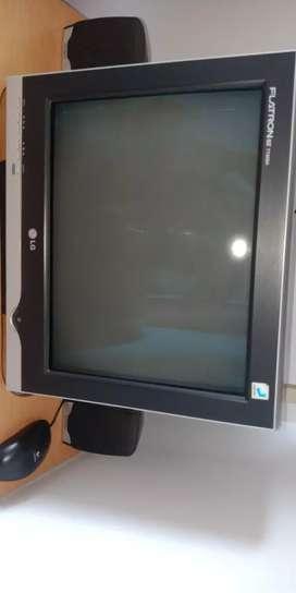 Dijual komputer lengkap kondisi rusak.
