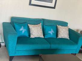 Sofa with two chairs
