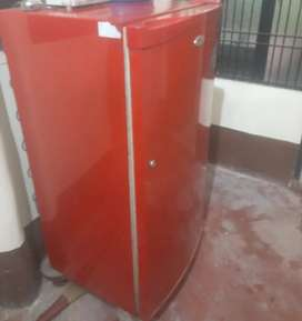 Whirlfool refrigeretor 175 lit