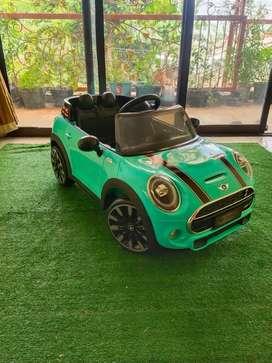 Mobil mainan aki anak mini cooper
