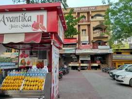 Fast food counter/ juice bar/ retail front space on 150ft kursi road