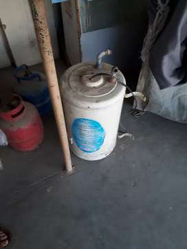 Electric Geyser/cylinders for sale