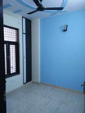 2bhk with Lift and Car parking in Mohan garden,Dwarka mor
