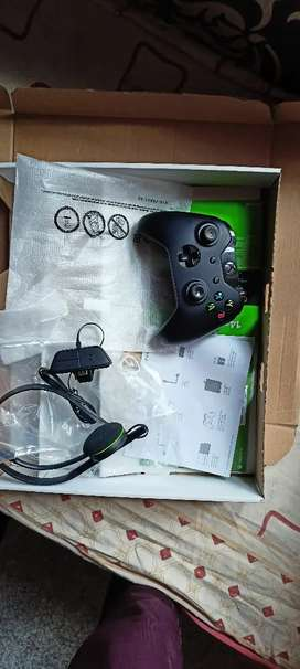 Excellent condition Xbox one fore sell with10months warranty NoDealer