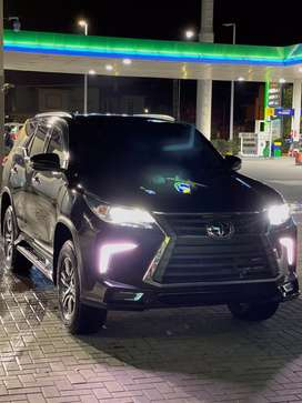 Fortuner for rent in pakistan