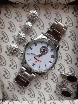 Beautiful watch and stund and buttons