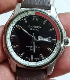 Jam tangan day-date