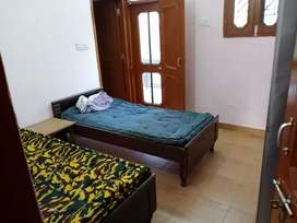 AC PG FoR BOYS WITH food  ATTACHED WASHROOM NO TIMING ISSUE FREE WIFI