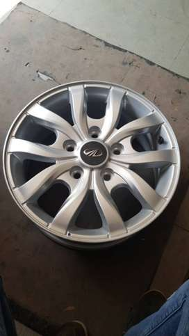 Mahindara Xuv 500 W10 17 Inch Alloy Wheels