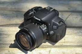 Canon 650d Camera with 2 Batteries and Charger