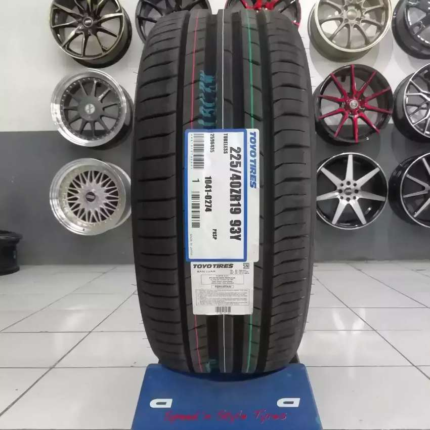 Ban Toyo Tires murah lebar 225/40 ZR19 Proxes Sport BMW Mercy 0
