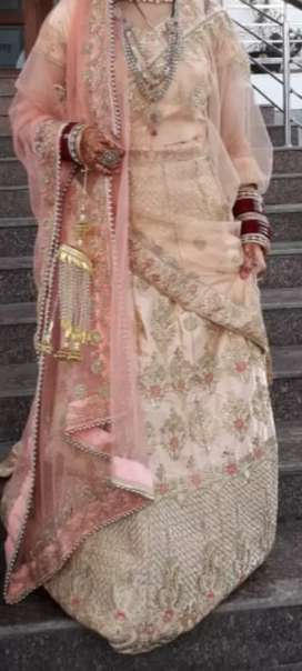 Wedding lenhga anushka style
