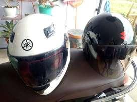 Helm Full Face Yamaha dan helm standard Suzuki