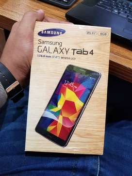 Samsung Galaxy tablet - Best for classes and games - FREE USB SPEAKERS