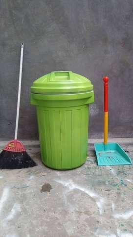 Tempat sampah bermerek   Bak sampah murah meriah