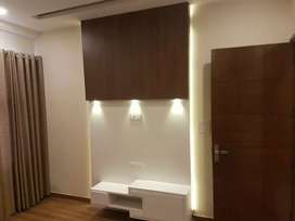 10 Marla. 1 st  or 2 nd floor  house  facing park sector 40 chandigarh