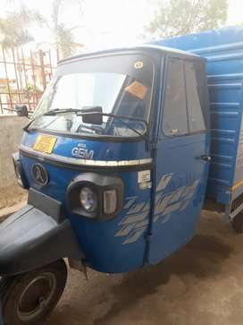 3 wheeler driver and delivery boy needed