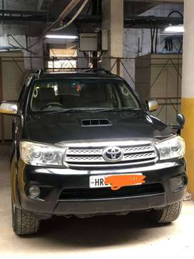 Toyota fortuner 4WD 2010 model in mint condition