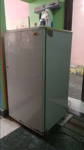 Fridge (Refrigerator)