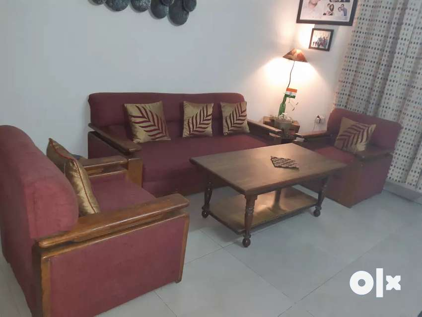 5 seater sofa set with centre table ONLY CASH 0