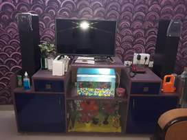 T.v stand and show case