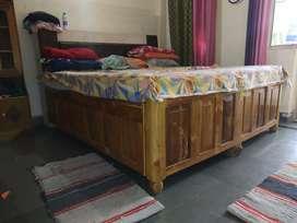 Pure sagwan bed