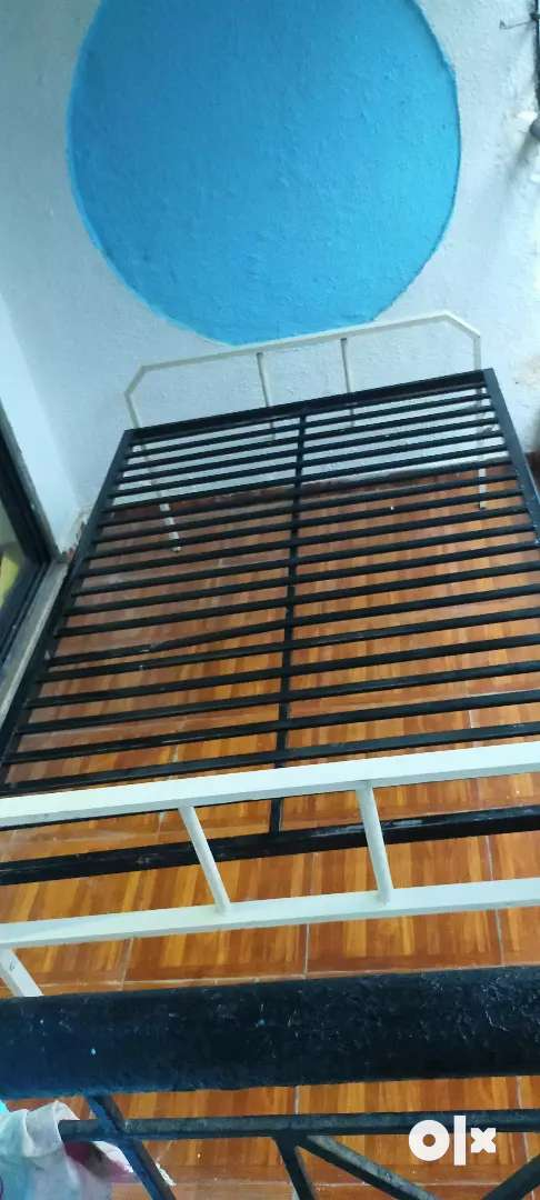 I want to sale Brand New MS Legs Foldable 6×4 Bed 0