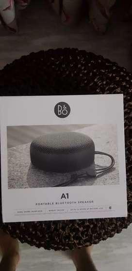 BANG & OLUFSEN B&O A1 BLUETOOTH SPEAKER